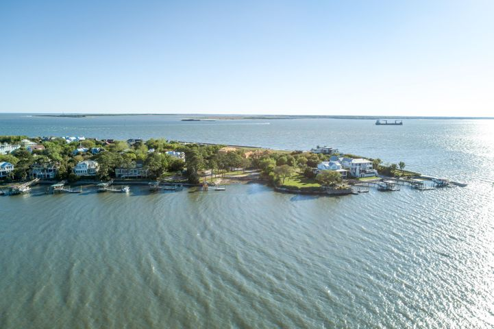 812 Conquest Avenue, Sullivans Island, SC 29482