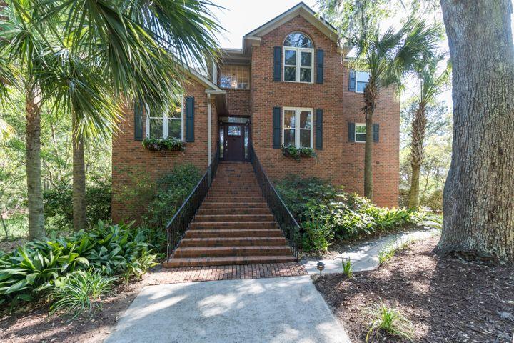 549 Chimney Bluff Drive, Mount Pleasant, SC 29464