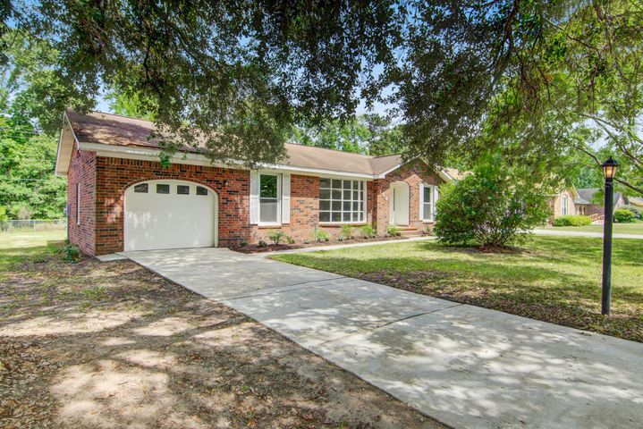 159 Tall Pines Road, Ladson, SC 29456