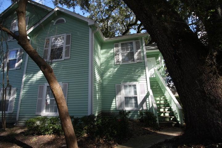 6240 April Pine Circle, North Charleston, SC 29406