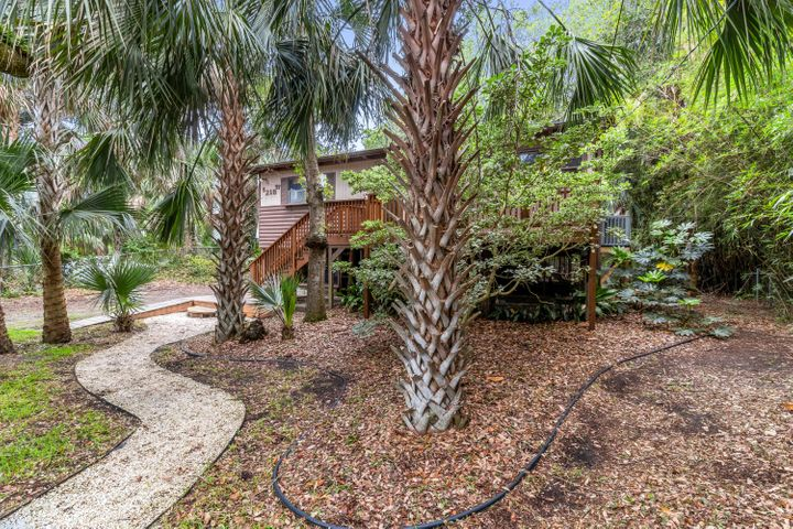 218 Hudson W Avenue, Folly Beach, SC 29439