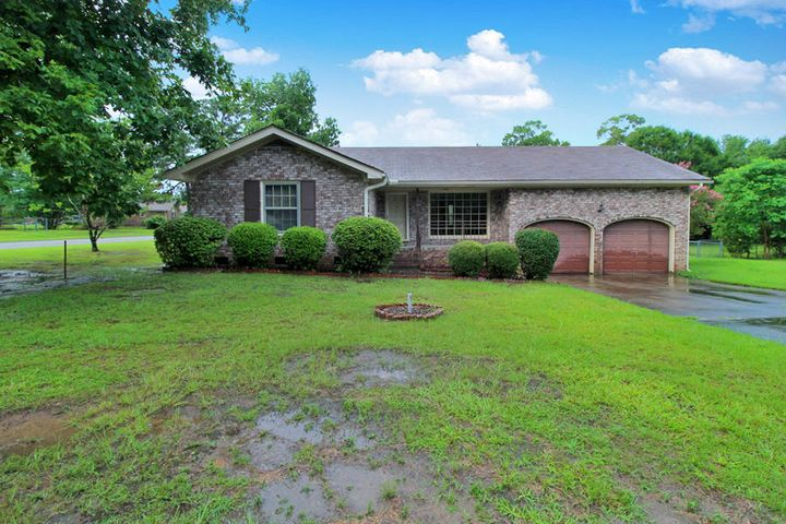 112 Saint James Boulevard, Goose Creek, SC 29445