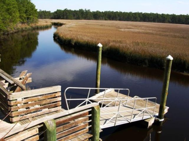 Rosa Green canoe launch just 1.3 miles away from lot 17. Access to Awendaw Creek and Intracoastal.