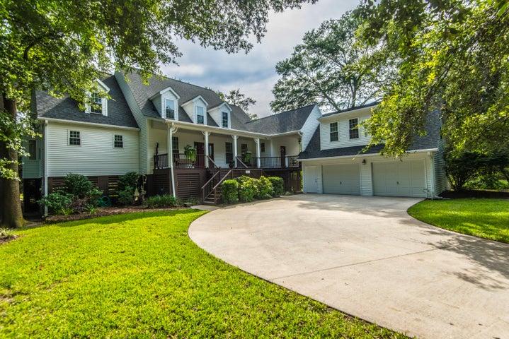 A beautiful home nestled in Oaks.