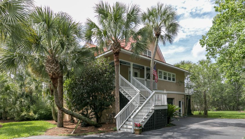 1437 Headquarters Plantation Drive, Johns Island, SC 29455