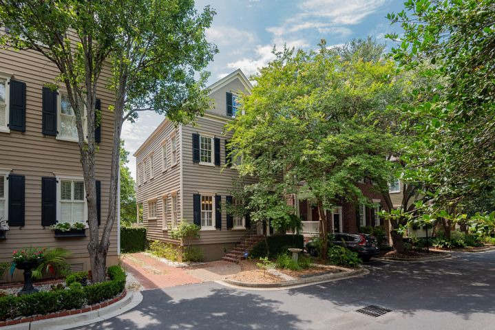 9 Wraggborough Lane, Charleston, SC 29403