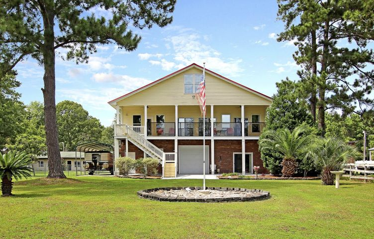 728 General Moultrie Drive, Bonneau, SC 29431