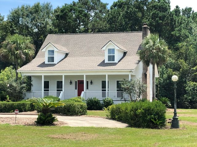 Beautiful, renovated home on 1.5 acres