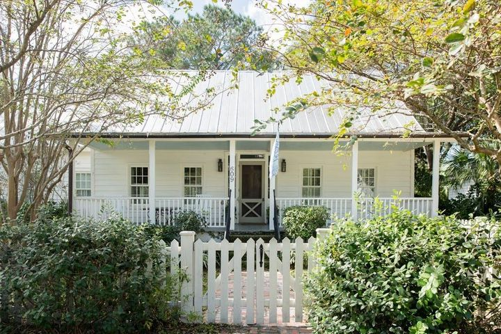 609 Royall Avenue, Mount Pleasant, SC 29464