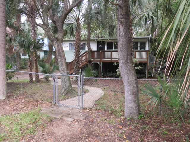 218 Hudson Avenue, Folly Beach, SC 29439