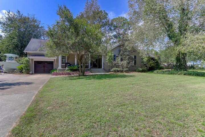985 Cummings Circle, Mount Pleasant, SC 29464