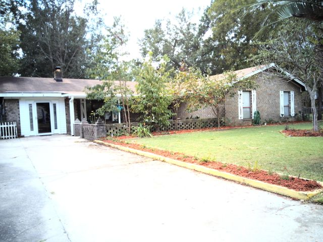 311 Canaberry Circle, Summerville, SC 29483