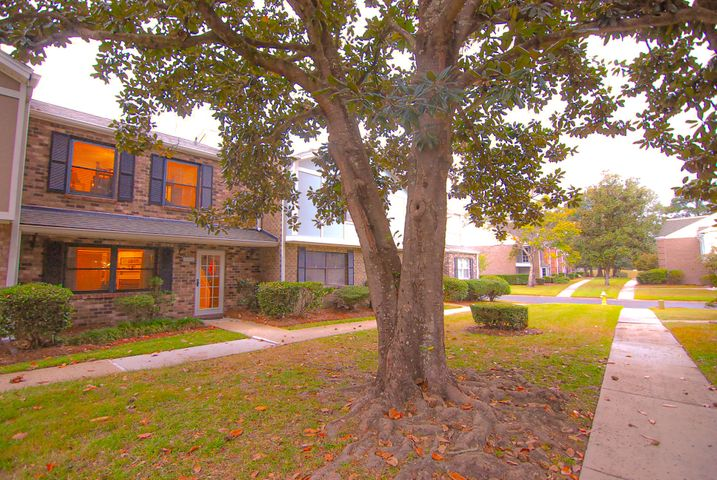 2928 Cathedral Lane, Charleston, SC 29414