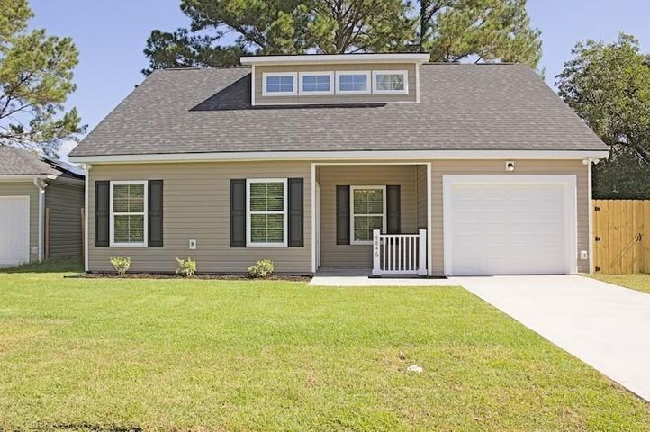 5846 Branch Avenue, North Charleston, SC 29406