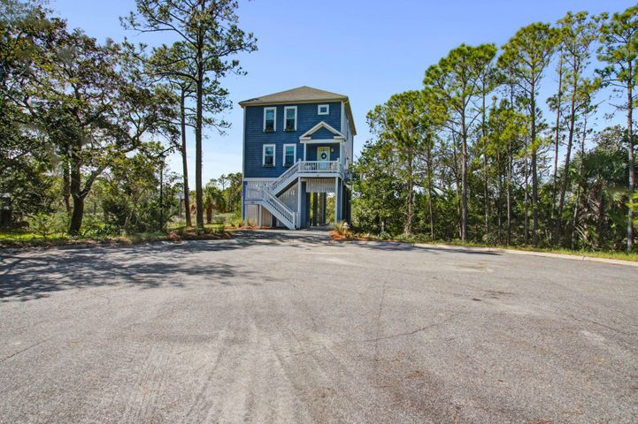 423 Hudson Avenue, Folly Beach, SC 29439