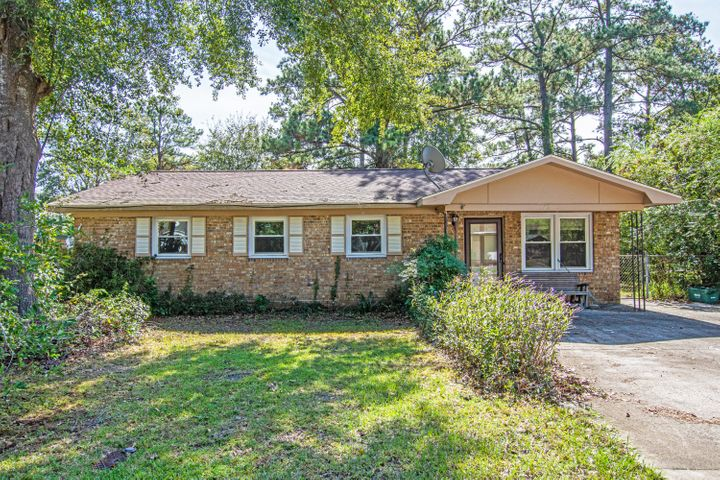 Fresh, clean, 1 owner home 5 minutes from Dorchester 2 schools NO HOA!