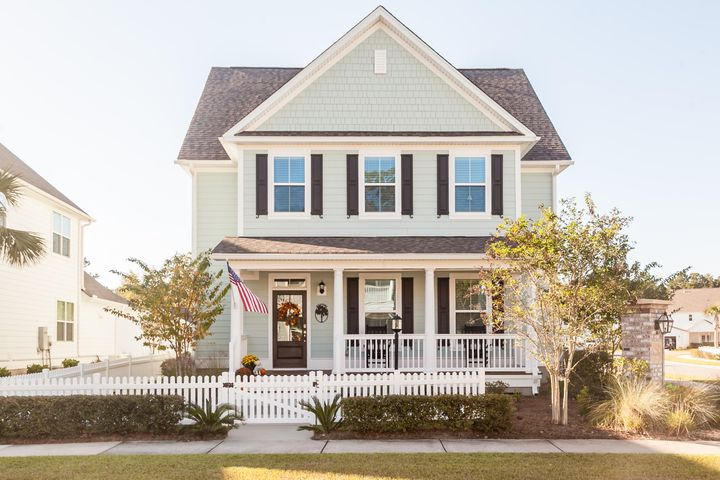 3420 Salterbeck Street, Mount Pleasant, SC 29466
