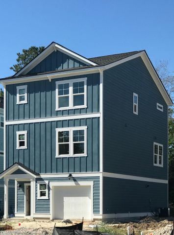 5121 Hyde Park Village Lane, North Charleston, SC 29405