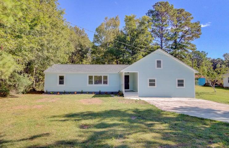 8906 Deerwood Drive, North Charleston, SC 29406