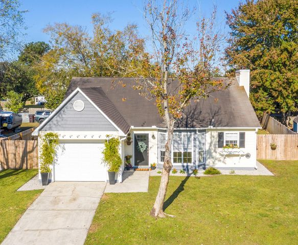 Gorgeous RENOVATED ONE STORY HOME!