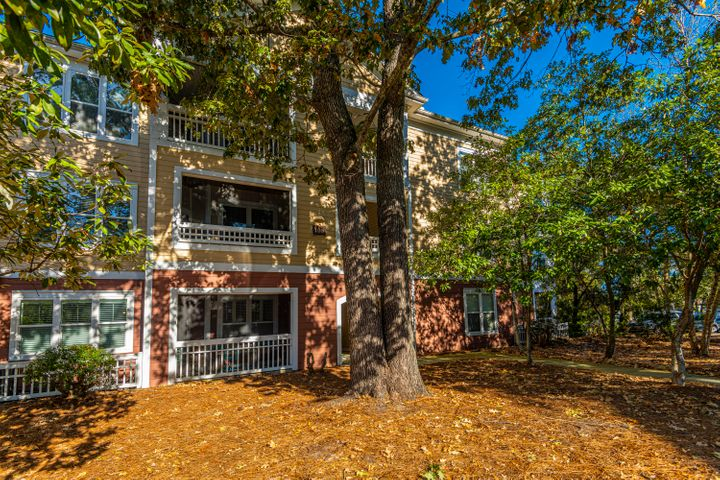 100 Bucksley Lane, Charleston, SC 29492