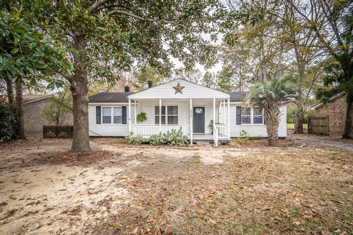 9009 Timber Street, North Charleston, SC 29406