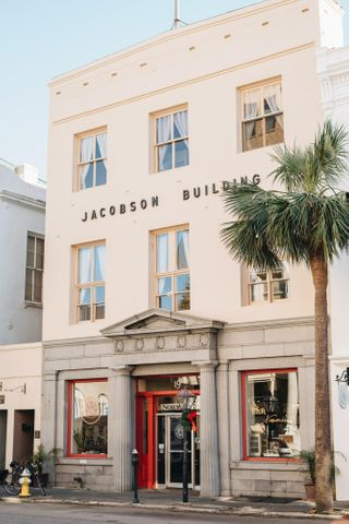 19 Broad Street, Charleston, SC 29401