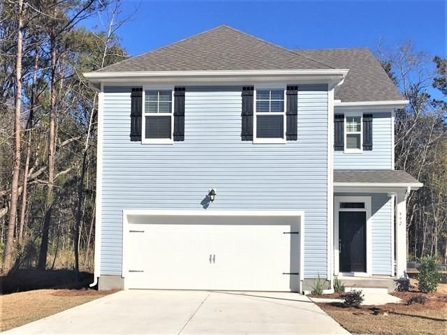 992 Theodore Road, Awendaw, SC 29429