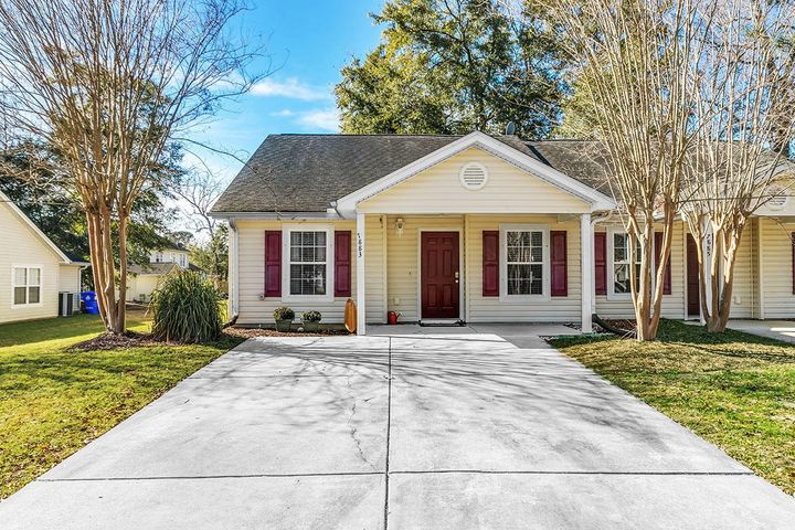 7883 Park Gate Drive, North Charleston, SC 29418