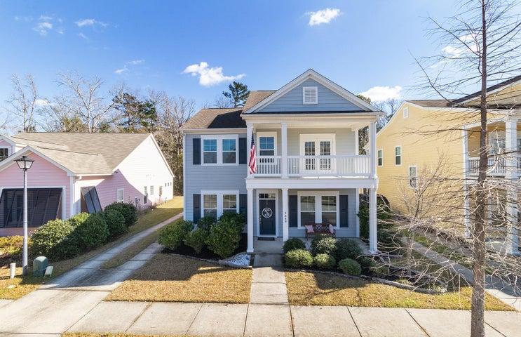 Gorgeous Charleston Single style home.