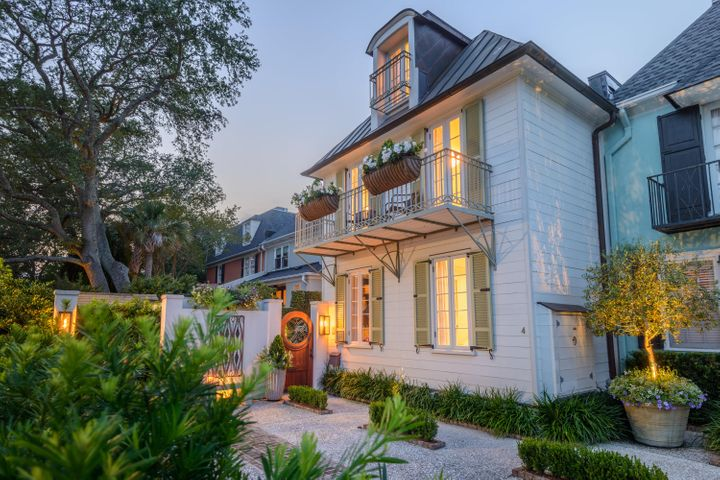 4 Battery Place, Charleston, SC 29401