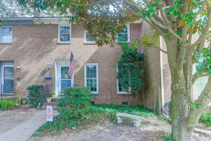 640 Bonneau Lane, Mount Pleasant, SC 29464
