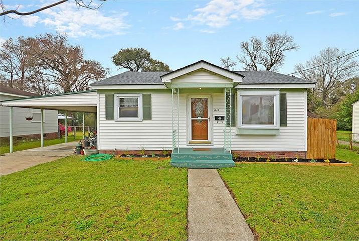 1328 Maxwell St, North Charleston, SC 29405