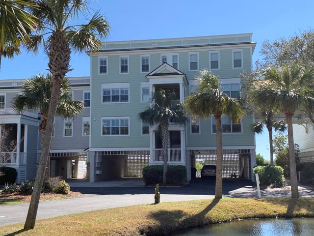 The best location in Mt. Pleasant for water views