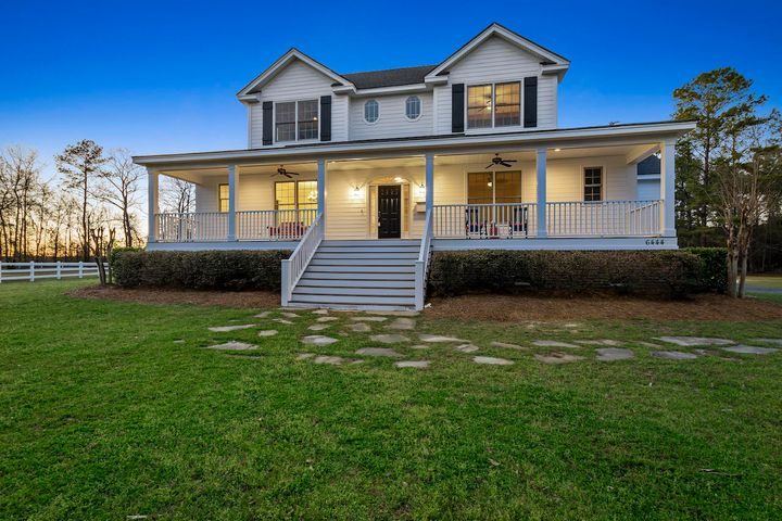 6444 Farm House Road, Ravenel, SC 29470
