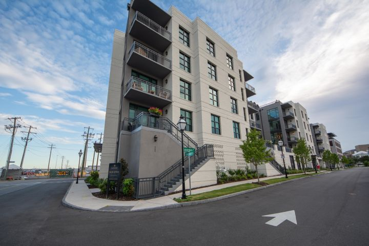 5 Gadsdenboro Street, 306, Charleston, SC 29401