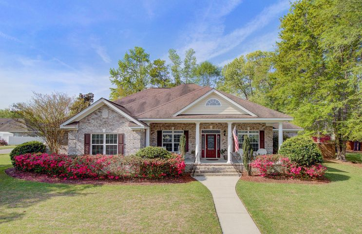 8003 Surrey Avenue, Summerville, SC 29485