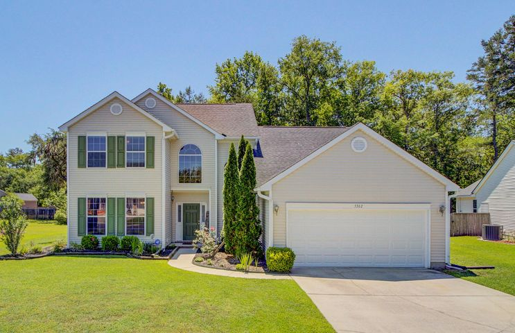 Come View this Beautifully, Updated 4BR Open Floor Plan