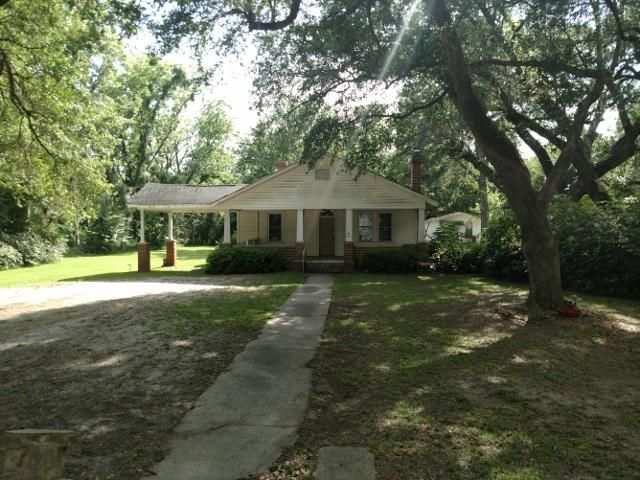 27963 Lowcountry Highway, Smoaks, SC 29481