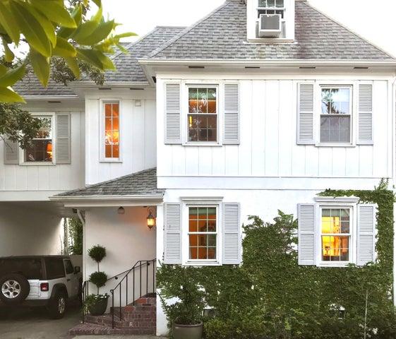 17 Poulnot Lane, Charleston, SC 29401
