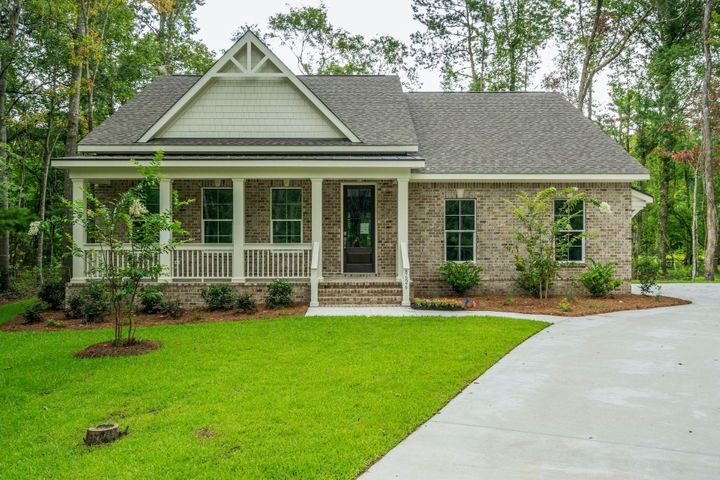 8626 Scottish Troon Court, North Charleston, SC 29420