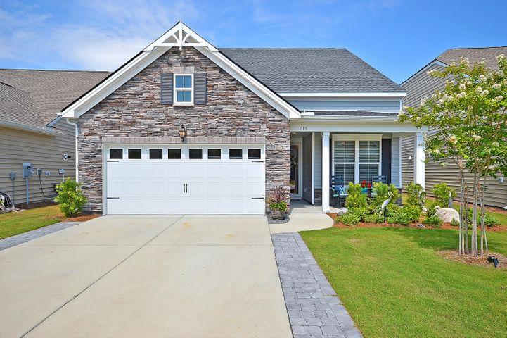 613 Beach Way, Summerville, SC 29486