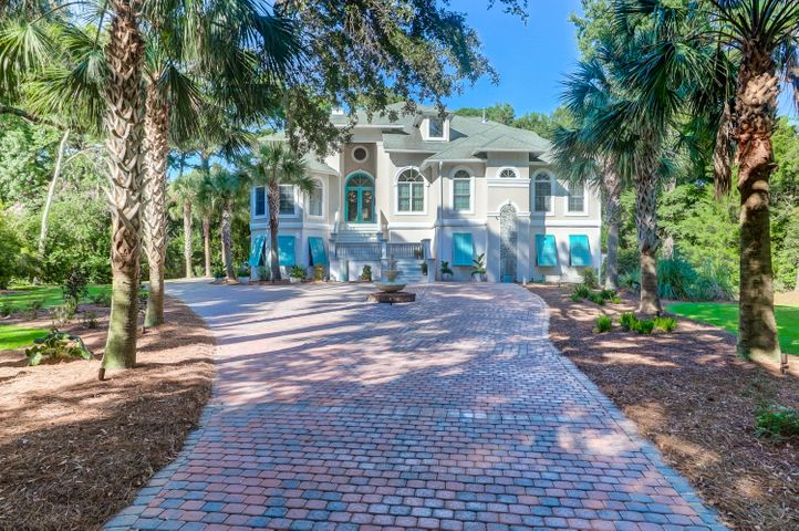 Welcome to 4952 Steeplechase Lane. Get out of the city with only a 30 minute drive to Downtown Charleston