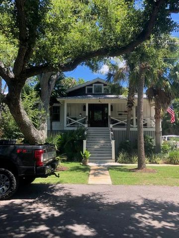 1316 Thompson Avenue, Sullivans Island, SC 29482