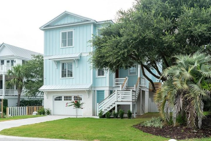 115 Charleston Boulevard, Isle of Palms, SC 29451