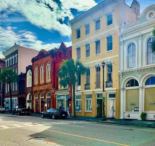 15 Broad Street, Charleston, SC 29401