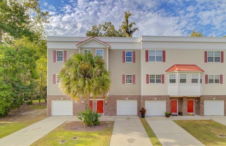 4608 Palm View Circle, North Charleston, SC 29418