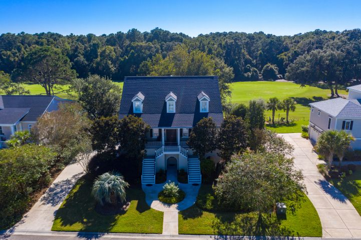 Charming Charleston home with views of golf course!