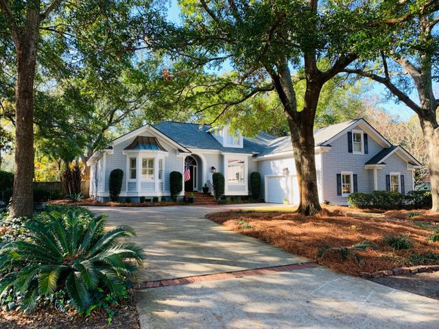 940 Tall Pine Road, Mount Pleasant, SC 29464