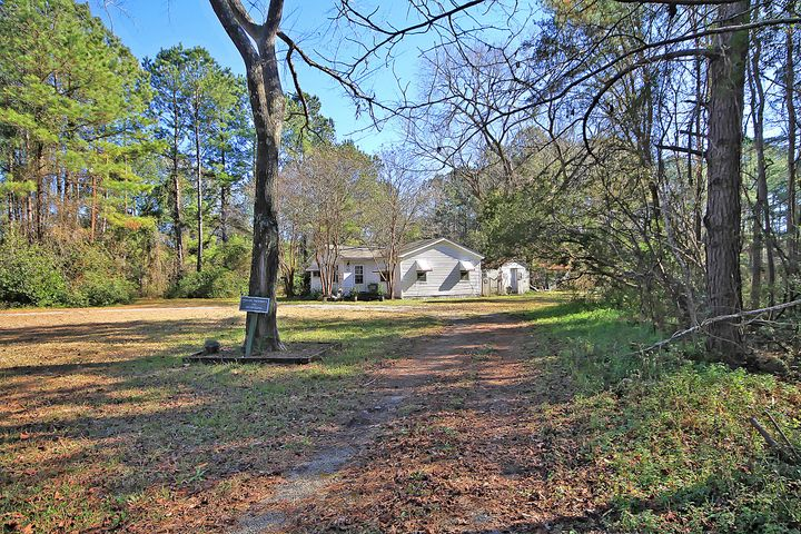 7477 Highway 17, Awendaw, SC 29429